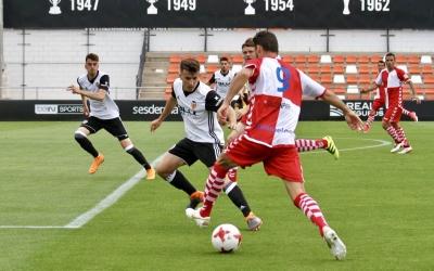 Arturo en una jugada ofensiva del Sabadell ahir a l'Antonio Puchades | Sandra Dihör