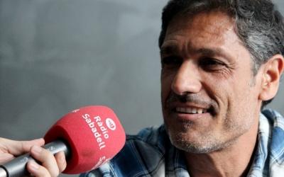 Toni Seligrat, al seu despatx a la Nova Creu Alta, rep Ràdio Sabadell | Pau Vituri