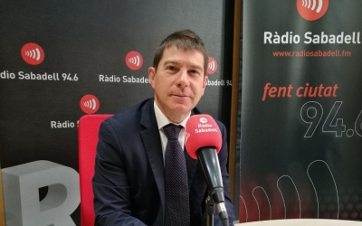 Josep Ayuso, als estudis de Ràdio Sabadell/ Mireia Sans