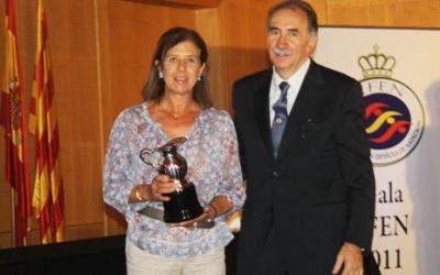 Mari Paz rep un premi de la Federació Espanyola de Natació | rfen.es