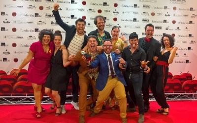 La companyia La Calòria a la catifa vermella dels premis MAX | Premis Max