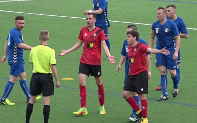 El Marina Can Gambús (de blau) jugarà finalment a Tercera Catalana