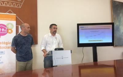 Joan Berlanga i Gabriel Fernàndez a la roda de premsa de presentació del Pla d'Acció Social i Educatiu | Helena Molist