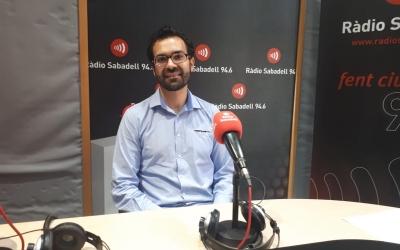 El  metge Jesús Muñoz a l'estudi de Ràdio Sabadell | Marcel Castillejos