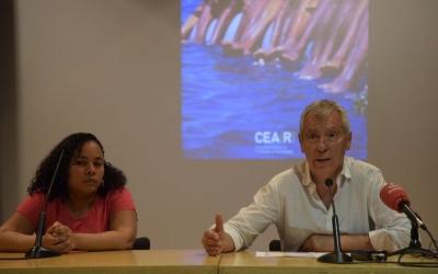 Laura, demandant d'asil de la República Dominicana i Miguel Pajares | Roger Benet