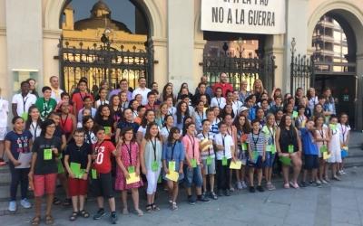El Consell dels Infants juntament amb l'alcalde i els regidors de l'Ajuntament