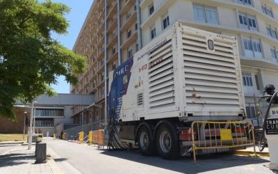 Un dels generadors que donen servei d'electricitat al Taulí | Roger Benet