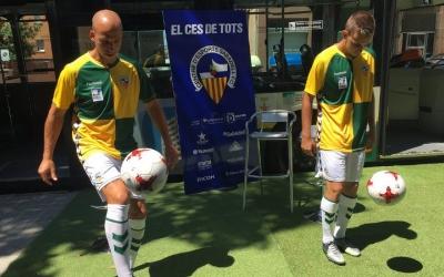Valentín Merchán i David Acedo amb la segona equipació del CE Sabadell | Marc Pijuan