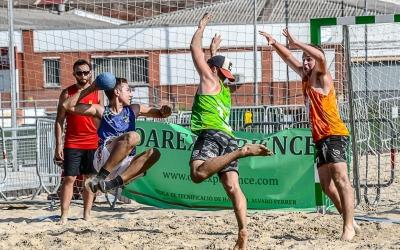 La primera cita del Tour Català d'handbol platja disputada a Sabadell ha estat un èxit rotund   OAR Arena