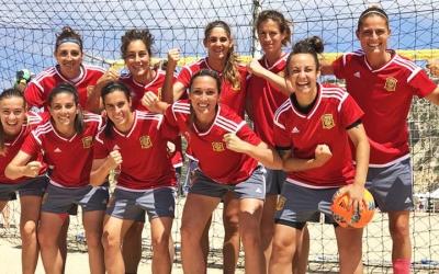 Mariajo Pons (a dalt a l'esquerra) amb la resta de companyes de la selecció