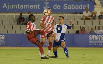 Pol Ballesteros durant el partit d'ahir contra el Girona | Roger Benet