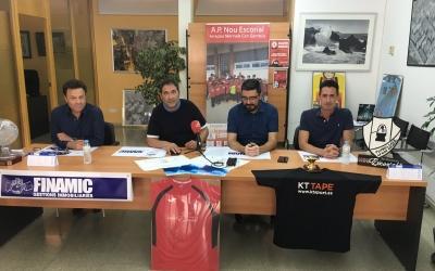 Paco Arjona, a la dreta de la imatge, el dia de la presentació com a tècnic del Femisport-Nou Escorial | Marc Pijuan