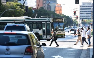 Autobús a l'Eix Macià | Roger Benet
