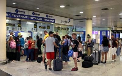 Cua a l'Aeroport de Barcelona | ACN