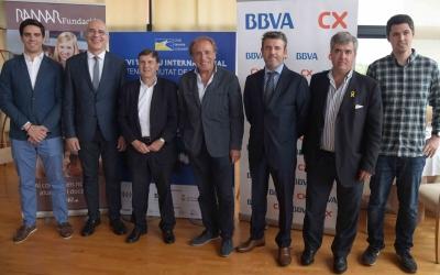 Organitzadors i patrocinadors de la 26a edició de l'Open Ciutat de Sabadell, amb August Serra, president del club, al centre de la imatge | Roger Benet