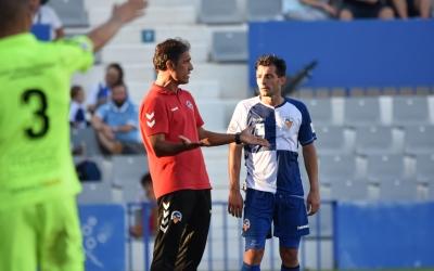 Seligrat conversa amb Óscar Rubio durant una aturada en el joc | Críspulo Díaz