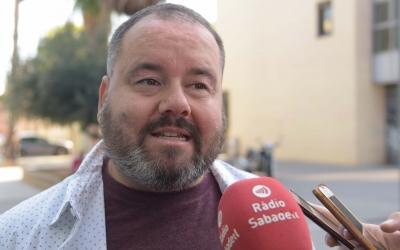 Joan Mena atenent els mitjans | Roger Benet