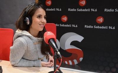 Laura Rosel als estudis de Ràdio Sabadell | Roger Benet