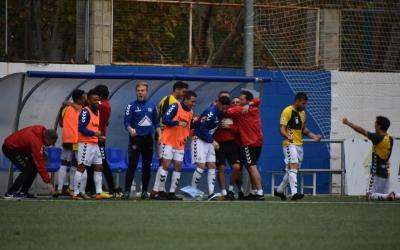 La banqueta sabadellenca celebra el segon gol d'ahir a La Almozara | Críspulo Díaz