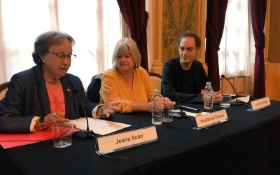 Joana Soler, Montserrat Chacón i Josep Maria Almirón durant la presentació al Teatre Principal   Ràdio Sabadell