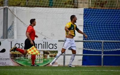 Arturo celebra el tercer gol del matí a La Almozara | Críspulo Díaz