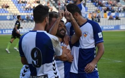 Felipe Sanchón, celebrant el primer gol del partit | Críspulo Díaz