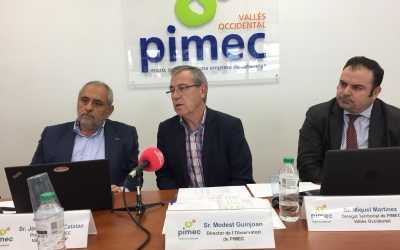 Catalán (esquerra) i Guinjoan (centre) durant la roda de premsa |Ràdio Sabadell