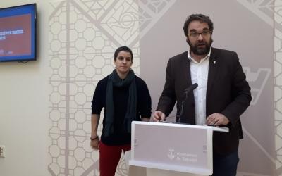 Juli Fernández i Glòria Rubio han presentat avui la compra d'habitatges per al lloguer social/ Ràdio Sabadell