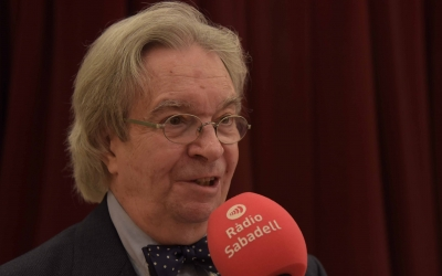 El mestre Antoni Ros Marbà durant la seva entrevista amb Ràdio Sabadell | Roger Benet