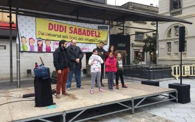 La ciutat celebra el Dia Universal dels Drets dels Infants amb actes lúdics a la plaça Doctor Robert | Ràdio Sabadell