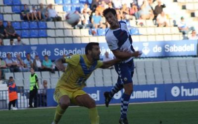 Josu Ozkoidi en l'últim partit a la Nova Creu Alta entre Sabadell i Badalona | Sendy Dihor