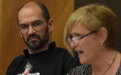 Marisol Martínez i Maties Serracant, durant el debat de la moció d'SMATSA/ Roger Benet