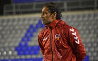 Seligrat, en el darrer partit a casa contra el Badalona   Críspulo Díaz