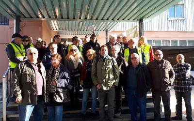 Membres de la FAV i dels Iaioflautes s'han concentrat davant del CAP Sant Fèlix/ Karen Madrid