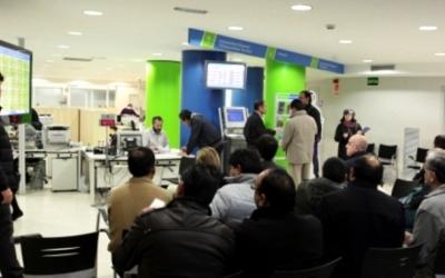 Baixa la taxa d'atur registrat a Sabadell | Arxiu