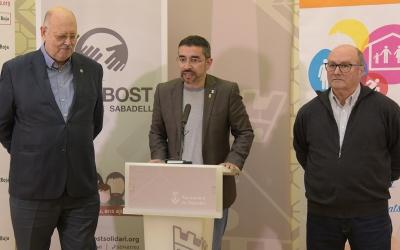 Gabriel Fernández, Santiago Fuentemilla i el president de Creu Roja, Josep Masip/ Roger Benet