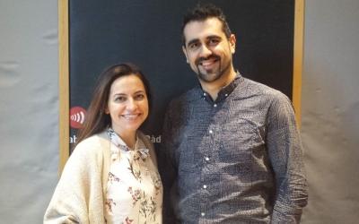 Anna Alàs i Diego M. Echebarría als estudis de Ràdio Sabadell | Pau Duran