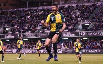 Cuevas celebra amb ràbia el gol de la victòria a Castàlia | Críspulo Díaz
