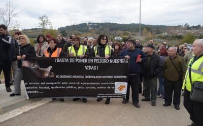 La manifestació ha finalitzat a l'entrada de l'Aeorport   Roger Benet