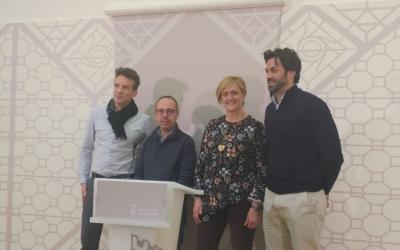 La regidora Martínez amb els presidents de les associacions de comerciants | Pere Gallifa