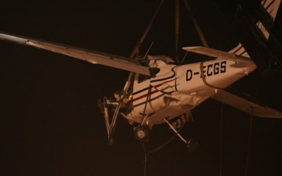 Imatge de la retirada de l'avioneta accidentada divendres passat/ ACN