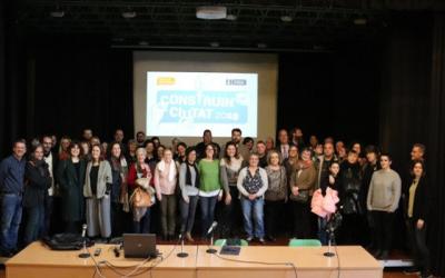 Alguns dels impulsors dels projectes guanyadors juntament amb Glòria Rubio a l'acte d'aquesta tarda al Casal Pere Quart | Ajuntament de Sabadell