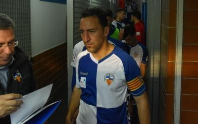 Migue, concentrat abans de saltar al terreny de joc | Críspulo Díaz