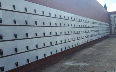 Els columbaris de cendres ja poden acollir urnes funeràries/ Karen Madrid