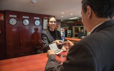 Recepció de l'Hotel Urpí   Roger Benet