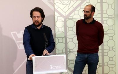 Edu Navarro i Maties Serracant, durant la presentació del conveni/  Ajuntament