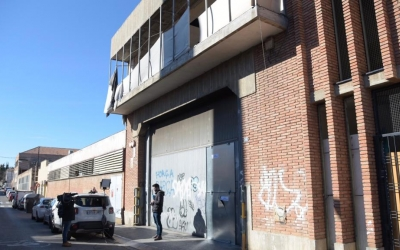 Exterior de la nau de Can Feu on va tenir lloc l'agressió/ Roger Benet