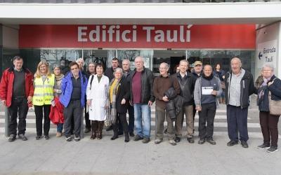 Membres de la taula Social d'Entitats de la Comarca del Vallès davant del Taulí | Roger Benet