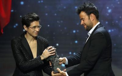 Laura Pedro i Lluís Rivera recollint el premi | RTVE