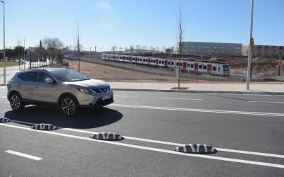 Els cotxes ja tornen a circular pel passeig Can Feu | Roger Benet